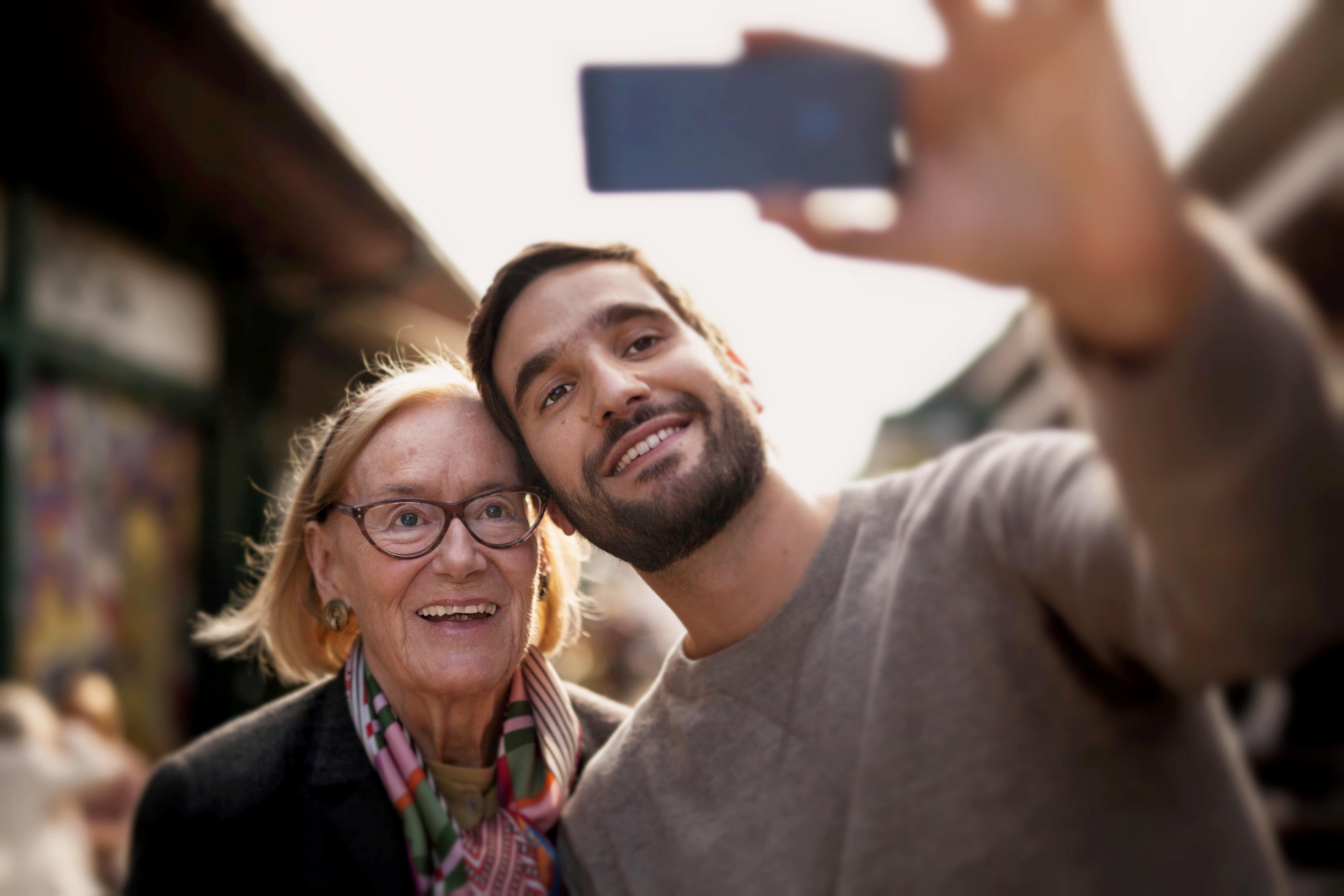 Careship Foto Dame mit jungem Mann