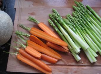 Karotten-Spargel-2527-c-PETA-D