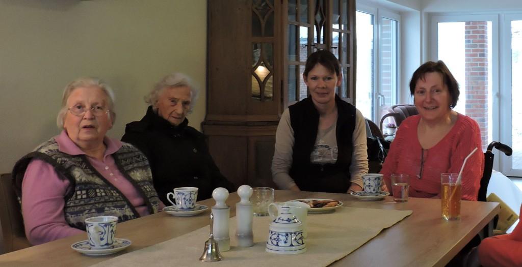 Foto Senioren beim Kaffee