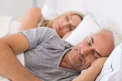 Schlafapnoe - Bild von schlafenden Personen